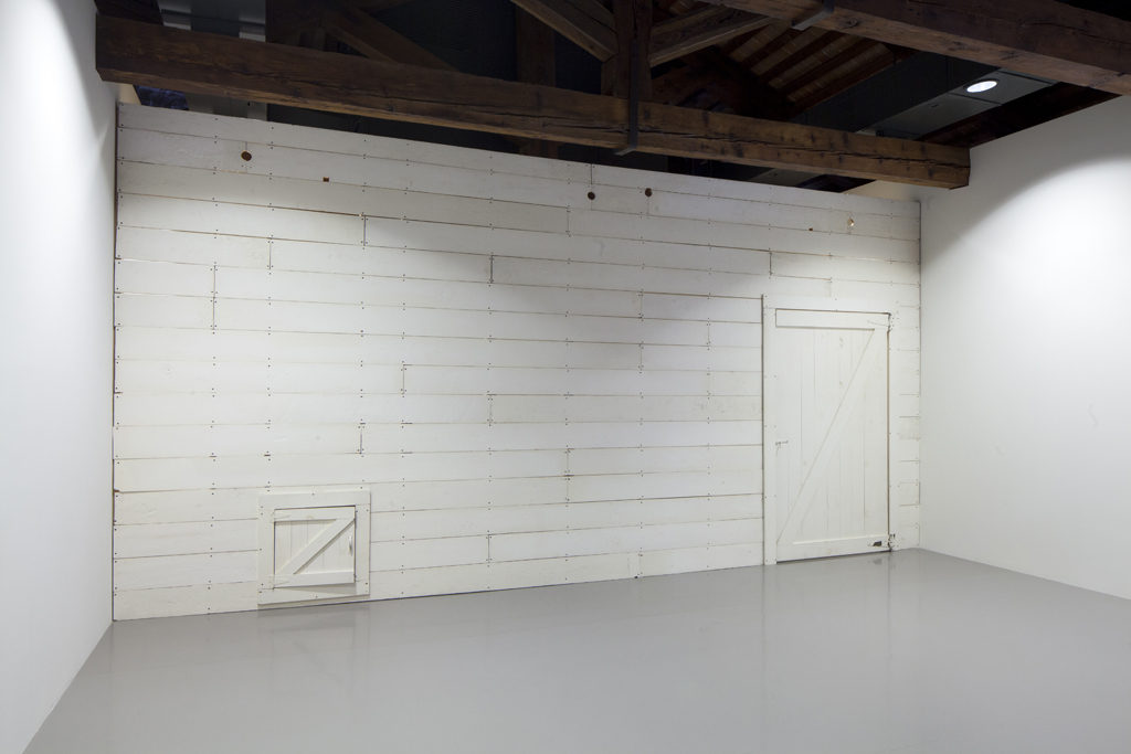 barn_wall_venice1